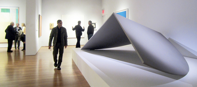 Large sculpture by Ellsworth Kelly
