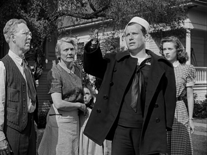 Harold Russell arrives home and reveals his hooks