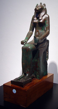 Bronze figure of Wadjet