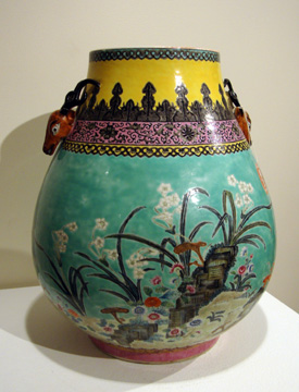 Famille Rose Turquoise ground jar