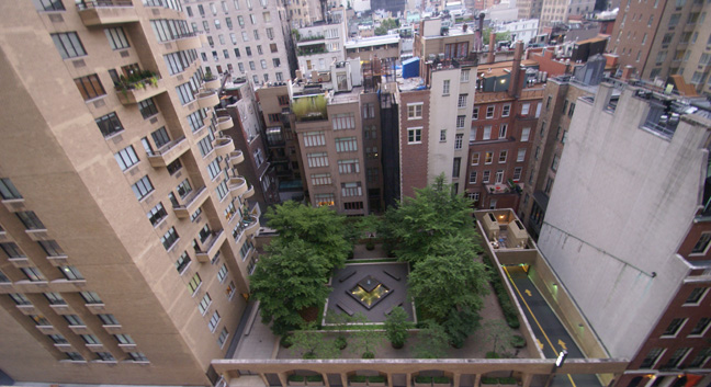 Rear garden at 800 Fifth Avenue