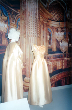 Fashion: Jacqueline Kennedy: The White House Years at the