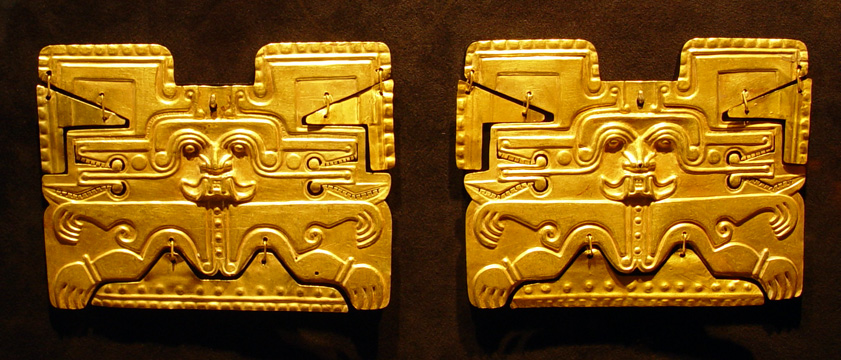 Calima gold ear ornaments, Cauca River Valley