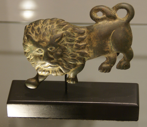 Roman belt buckle in form of lion