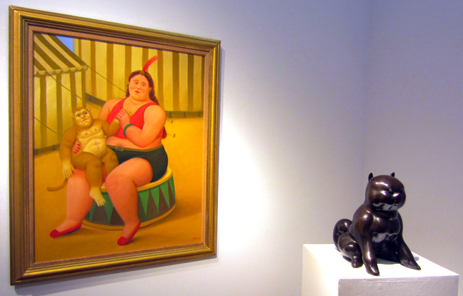 Botero lady and cat